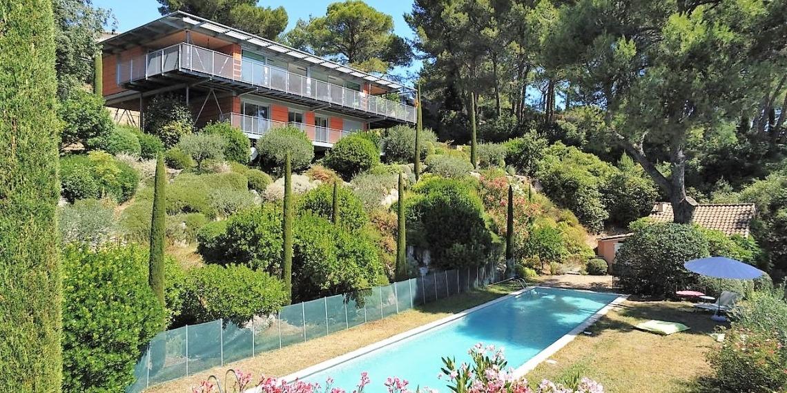 Maison contemporaine avec vue panoramique à Avignon