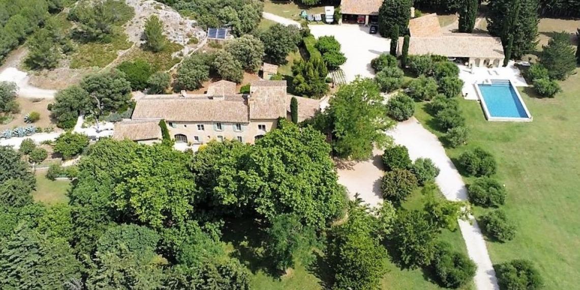 Bâtisse authentique proche d'Avignon
