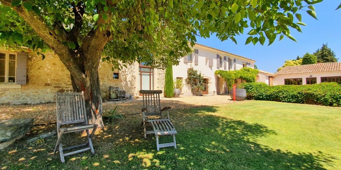 Isle-sur-la-Sorgue, vieilles pierres, modernité et confort
