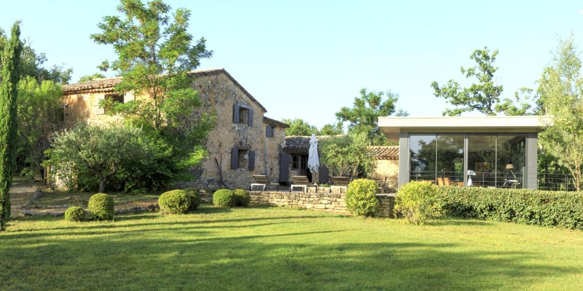 Bonnieux, Luberon : tradition et modernité, une bergerie sur 5 ha